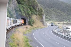 トンネルをくぐると・・・