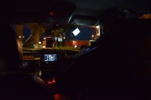 タクシーも飛ばしてくれました