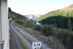 slowの標識あたりは減速して寒さが和らぎます