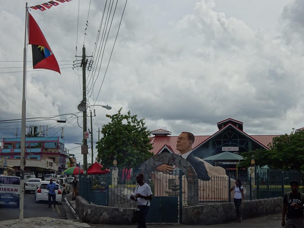 アンティグア・バーブーダの首都セントジョンズをブラブラ